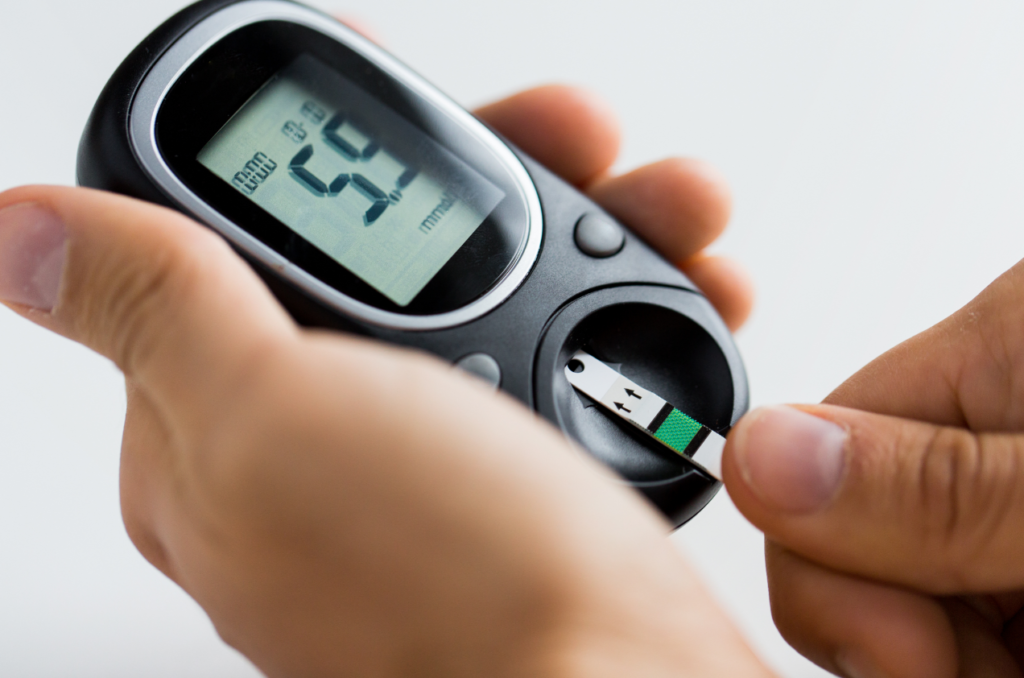 hecking blood sugar level by glucometer and test stripe at home